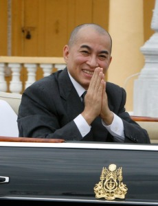 Cambodia's King Norodom Sihamoni greets well-wishers as he presides over the country's 55th independence anniversary from France in front of Royal Palace in Phnom Penh, Cambodia, Sunday, Nov. 9, 2008. (AP Photo/Heng Sinith)